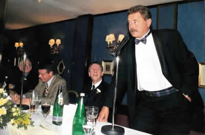 bill barclay speaking at the govners dinner in glasgow 1999